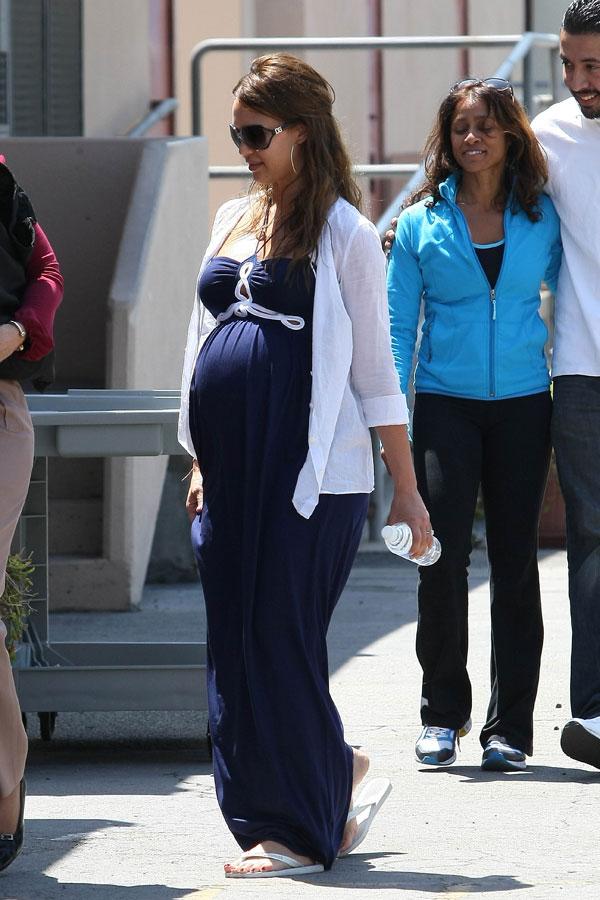 jessica-alba-pregnant-3 jpgJessica Alba Pregnant
