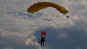 Hoppade fallskärm 2007!