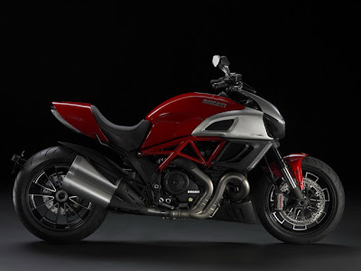2011 Ducati Diavel Red