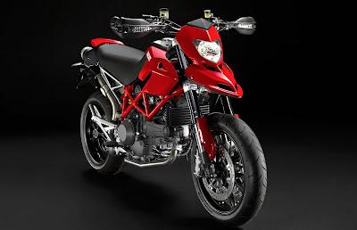 2011-Ducati-Hypermotard1100-EVO