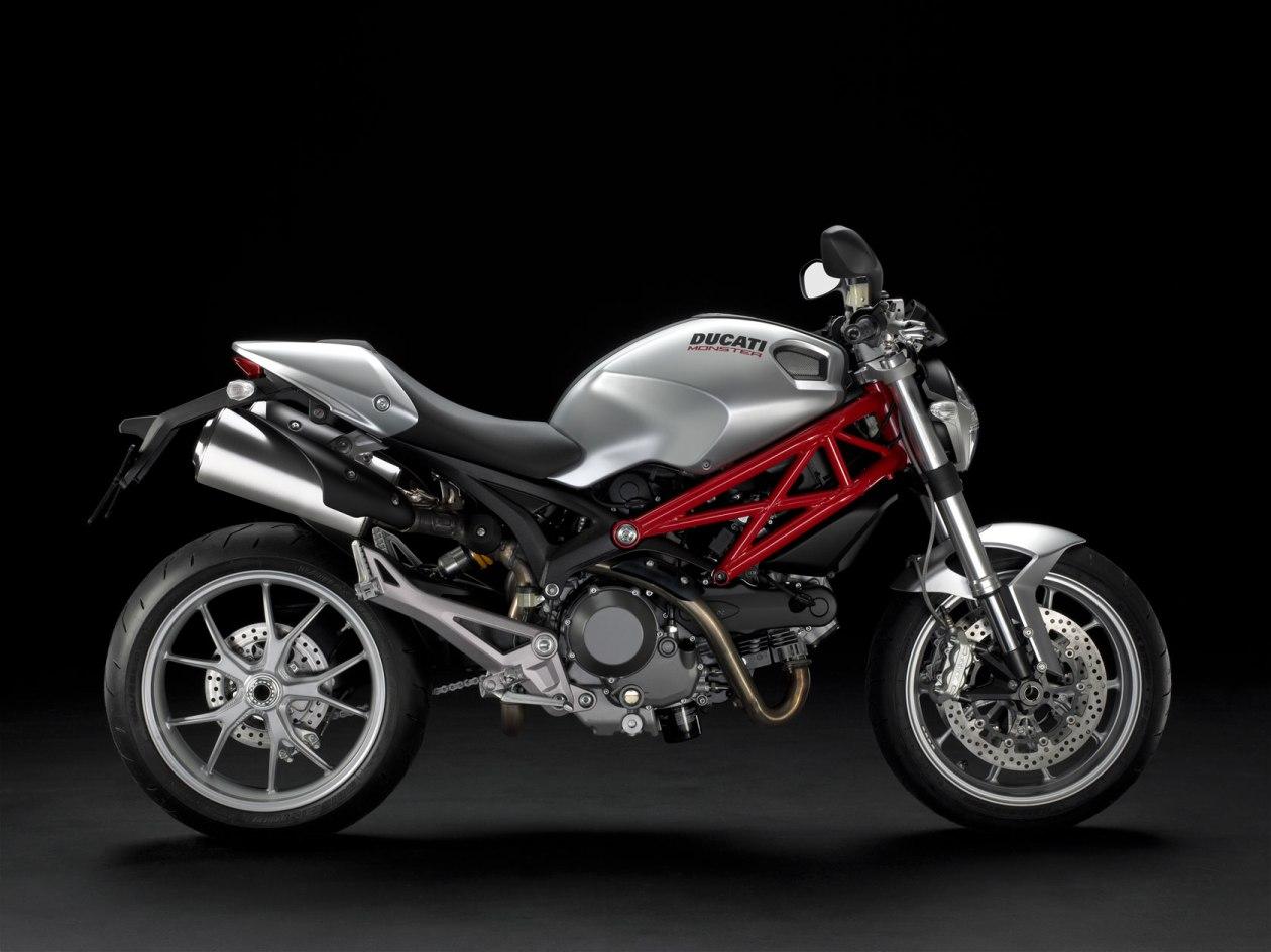 http://3.bp.blogspot.com/_1wPY9ZBcztY/TSwURqFNigI/AAAAAAAABWA/Bb4Pd5vdJuo/s1600/2011-Ducati-Monster1100-UK.jpg