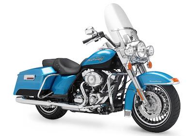 2011-Harley-Davidson-FLHRRoadKing