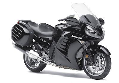 2011-Kawasaki-Concours14ABS-fat-super-black
