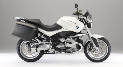 2011-BMW-R1200-R-Special-Touring