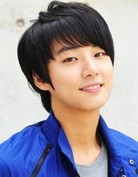 Yoon shi yoon Foto Profile artis korea kim tak goo bread.love and dreams