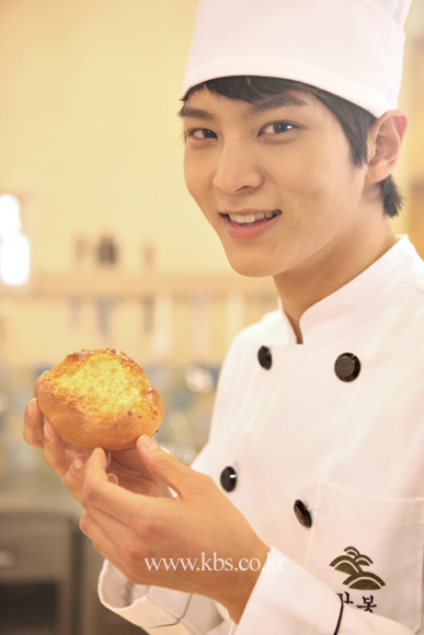 Foto Joo Wo Pemeran Goo Ma Joon Pemain Bread Love and Dreams Drama Korea