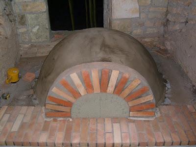 construction d 39 un four pain moulage de la coque. Black Bedroom Furniture Sets. Home Design Ideas