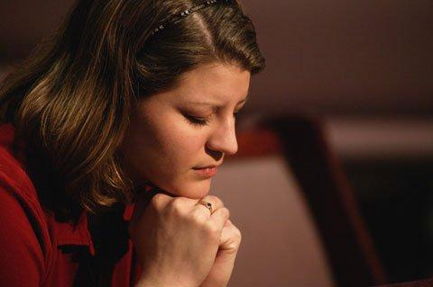 [mulher-orando.jpg]
