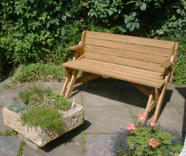 banco de jardim mesa:Este é um de banco de piquenique com uma dobragem incrível.