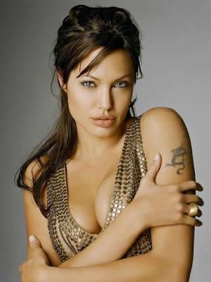 http://3.bp.blogspot.com/_2-7AdSkZA7I/SX4ENzGfmAI/AAAAAAAAUOw/36Cw5FiKa6o/s400/angelina+jolie-sexy.jpg
