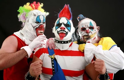 Los Psycho Circus, Monster Clown is on the right