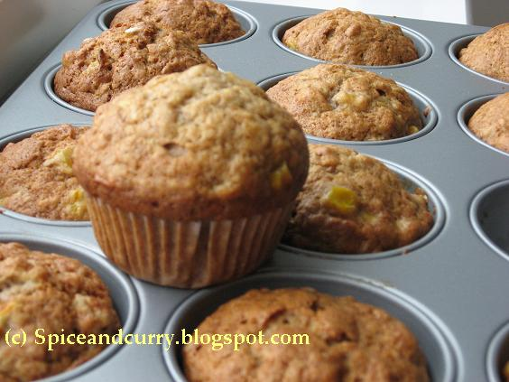 Spice and Curry: Banana Corn Muffin