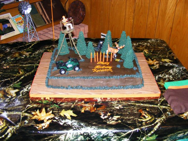 PattiCakes!: Deer Hunting Cake and Cupcake tower