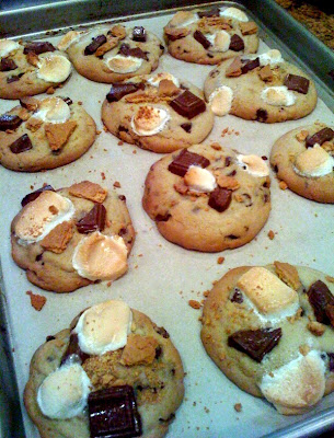 Oh, So Darling}: Recipe: Giant S'mores Cookies