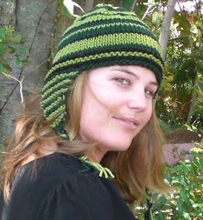 Ear-flap hat, easy knit e-pattern<br />