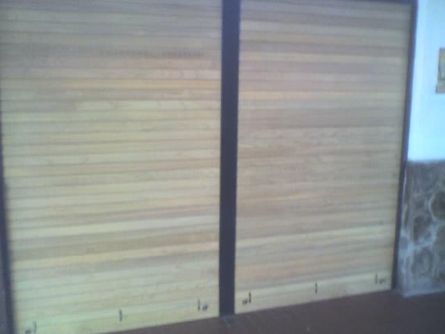 Cortinas barrios en madera cedro brasilero