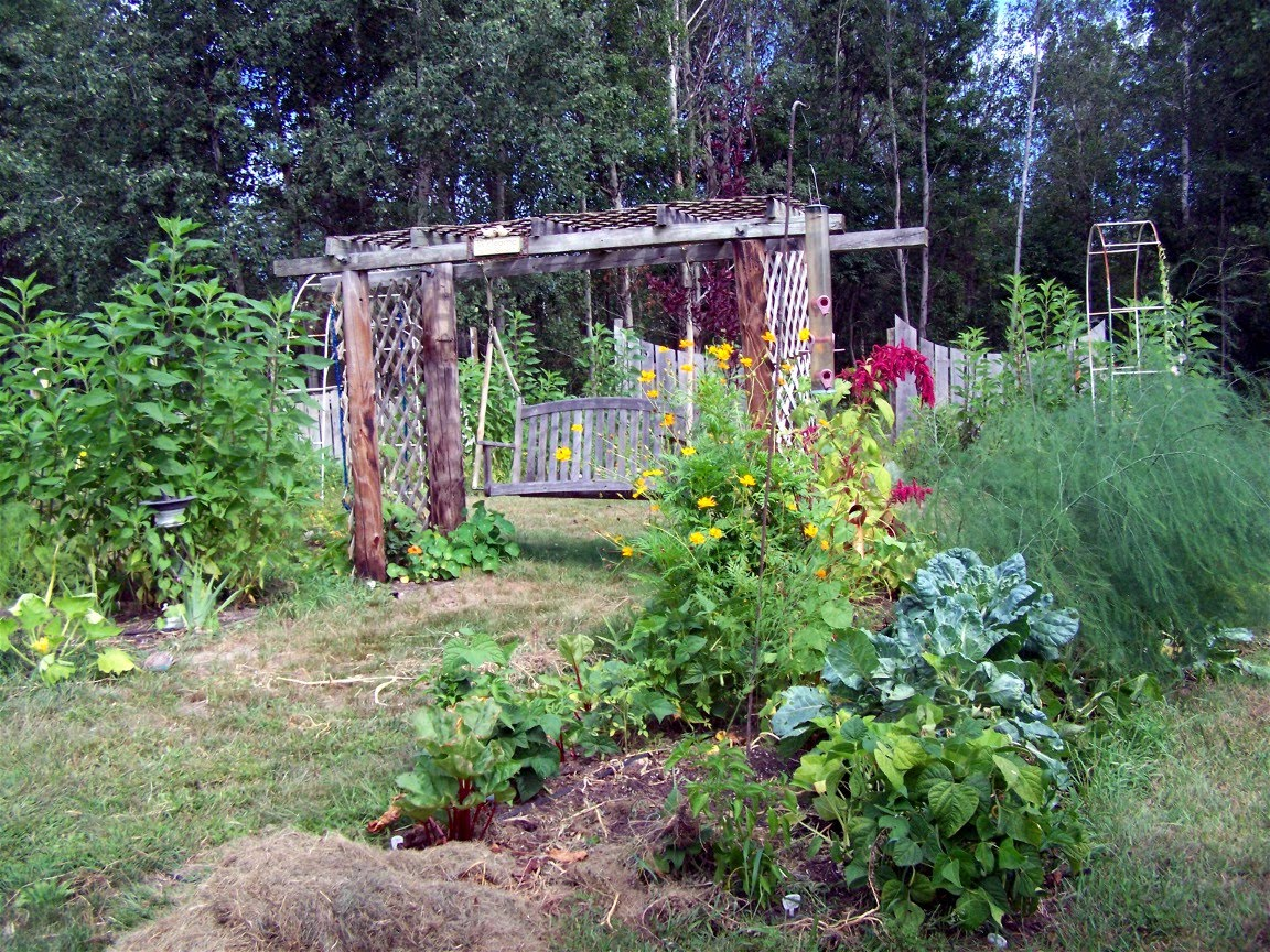 Restful trails food forest garden for Cuisine garden