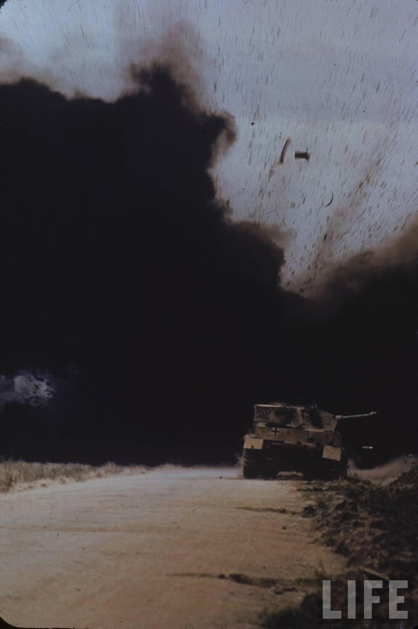 chars allemands PANZER%2B852%2BVALLE%2BEL%2BGUETTAR%2BTUNEZ%2B04-1943