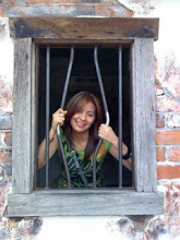 at the gold rush!!im in prison...hehehe:)BUT KEEP ON SMILING..