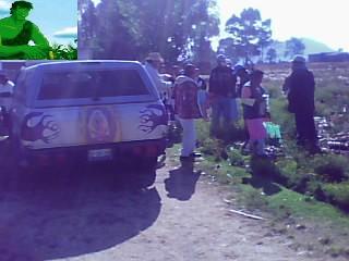 REPARTIENDO SEMILLA EN COMUNIDAD DE GARABATO