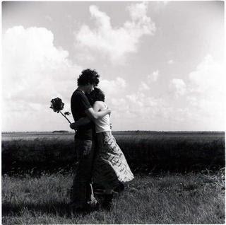 Un abrazo muy grande y besos > hugs and kisses