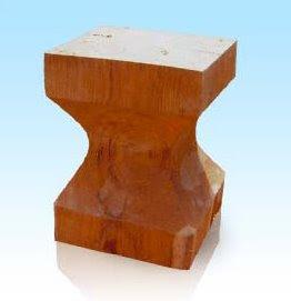 Antique Chair with Minimalist Design_001