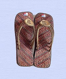 footwear of wood motif batik