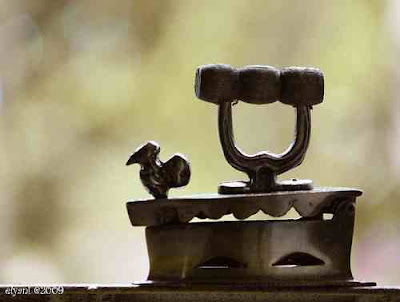 Antique charcoal iron, Antique, Antique handicraft