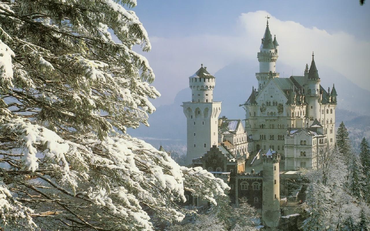 Neuschwanstein Castle ...