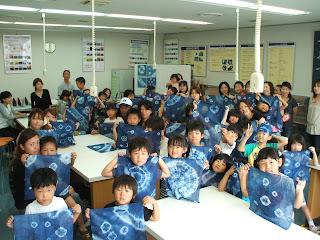 藍染め体験の記念写真(2)