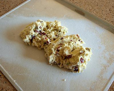 Daisy Lane Cakes: Pistachio with Golden Raisin Biscotti
