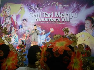 Pentas ini dilaksanakan di PIM Palembang , diikuti dari berbagai ...