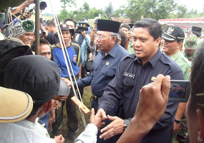 Mensos dan Wagub Jabar Kunjungi Korban Bencana