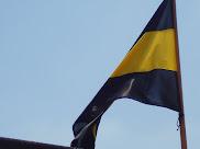 Bandera en lo alto