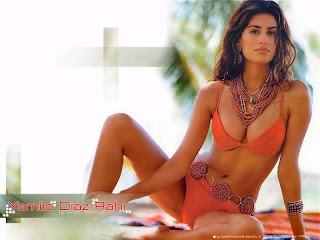 Hot Babe Yamila Diaz Rahi Free Bikini Wallpaper