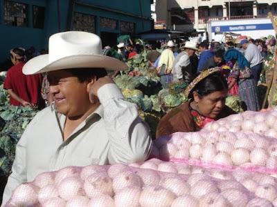 Guatemala - Marché Maya Quiché, à Chchicastenango