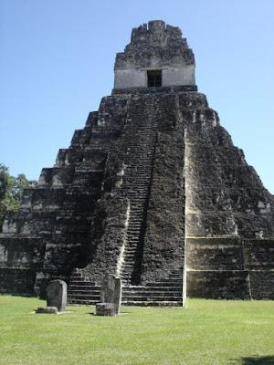 Guatemala - Tikal -Temple maya du Grand Jaguar