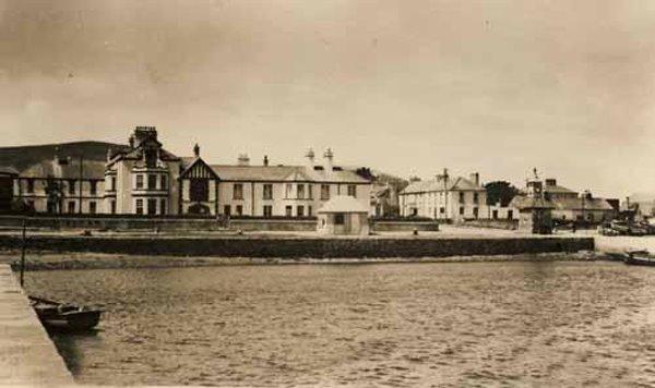 """Den """"Royal Pier"""" vun Knightstown, ee fantasteschen Hotel an deser Zeit em dei 1900"""
