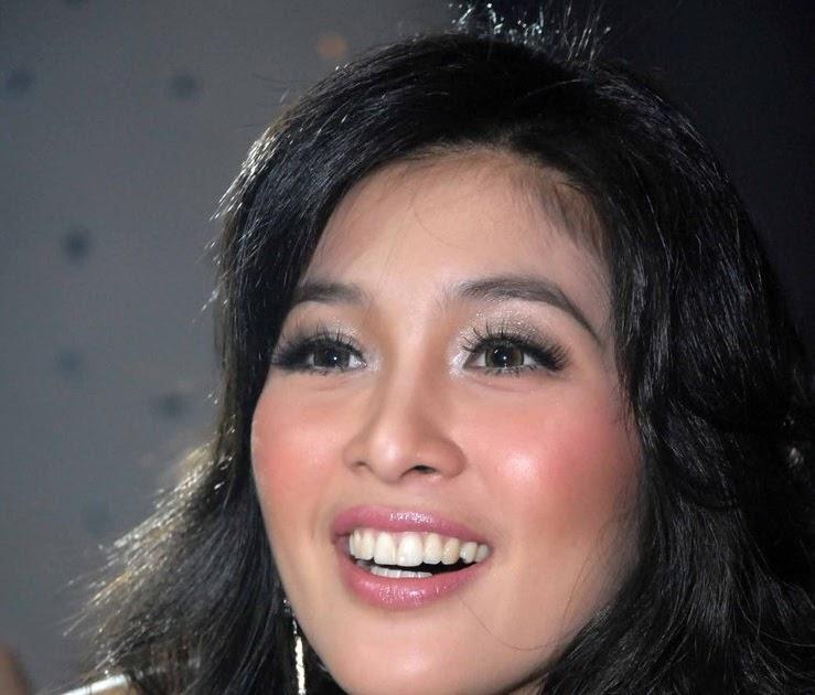 Sandra Dewi Bugil.