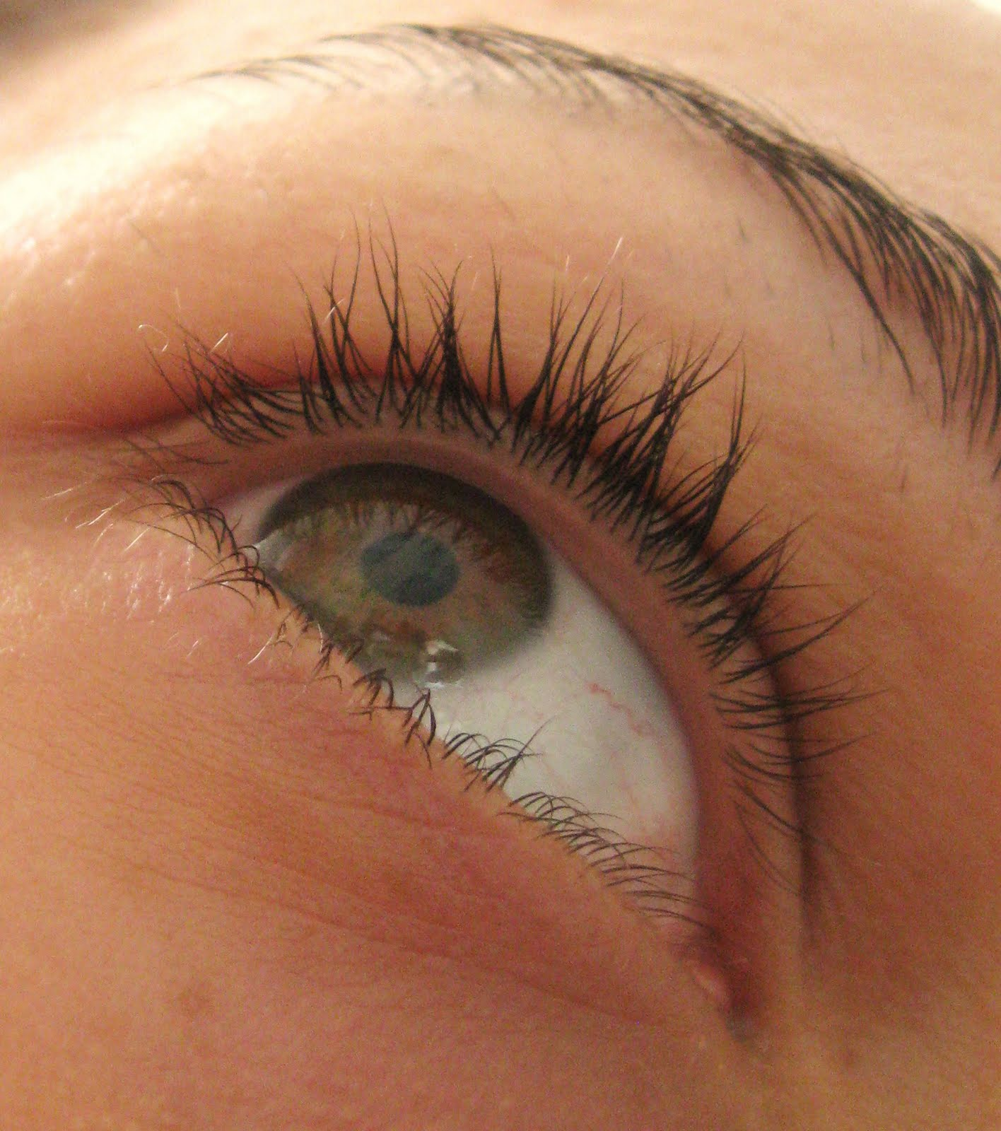 Maries Powder Room Lashes And Vaseline