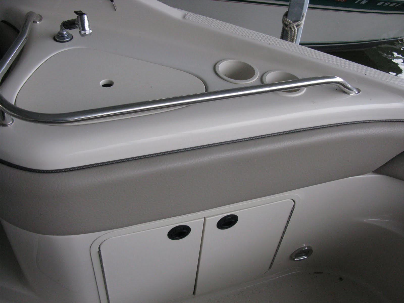 2004 Sea Ray 240 Deckboat Wet Bar With Sink Faucet