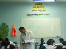 Mister Nino Alcota, en clases con 1° Básico B...