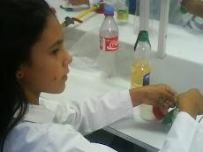 Tamara convertida en una verdadera científica...