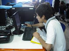 Alumnos más concentrados en la tarea...