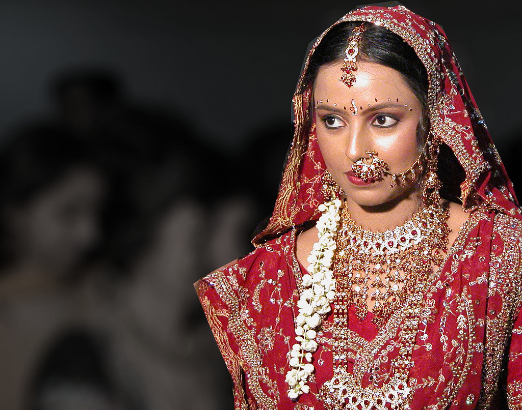 fashion in the world: Indian Brides looks very beautiful