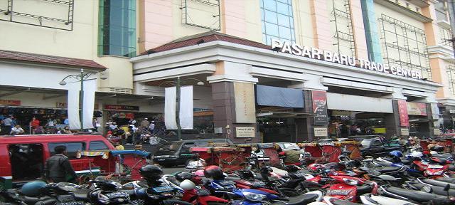 """Saatnya Berbelanja """"online"""" di Pasar Baru Bandung."""