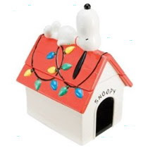 Peanuts Snoopy Doghouse Christmas Cookie Jar