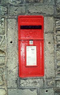 wacky England mailbox