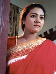 http://3.bp.blogspot.com/_2ZtJBKXcxNw/TA0TViblEuI/AAAAAAAAEdE/bE2voOBP7BY/s1600/shakeela-actress-saree-photo.jpg
