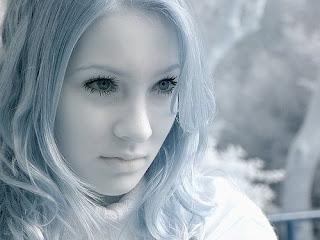 http://3.bp.blogspot.com/_2_4MXLIJDuA/SP5l-6rzGYI/AAAAAAAAAD4/fZ6XNvT9qI8/s320/queen.jpg